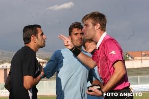 arbitro protagonista, espelle settineri (Foto Anicito)