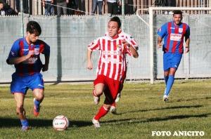 Oliveri difende la palla foto Anicito